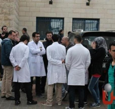 نقابه الاطباء تهدد الحكومه برد غير مسبوق في حال تم التعرض لمنتسبيها