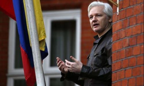 الإكوادور تقترب من طرد جوليان أسانج من سفارتها في لندن