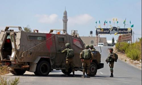 الاحتلال يغلق المدخل الرئيسي لراس كركر غرب رام الله