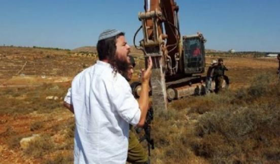 مستوطنون يجرفون أراضي شرق بيت لحم