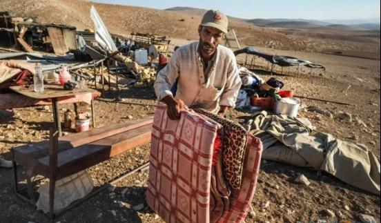 الاحتلال يخطر بطرد 21 عائلة من الأغوار