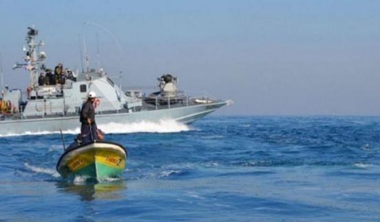 الاحتلال يقلص مساحة الصيد شمال قطاع غزة
