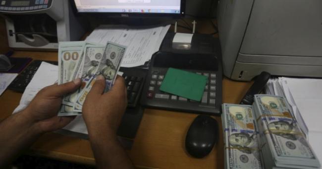 بدء صرف منحة الـ100 دولار للعائلات الفقيرة في غزة عقب وصول العمادي
