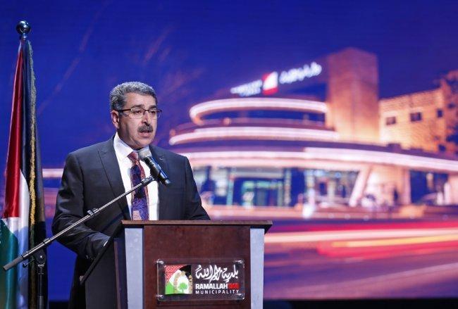 رئيس بلدية رام الله يوضح لوطن قرار فصل العضو سمعان زيادة والاخير يرد