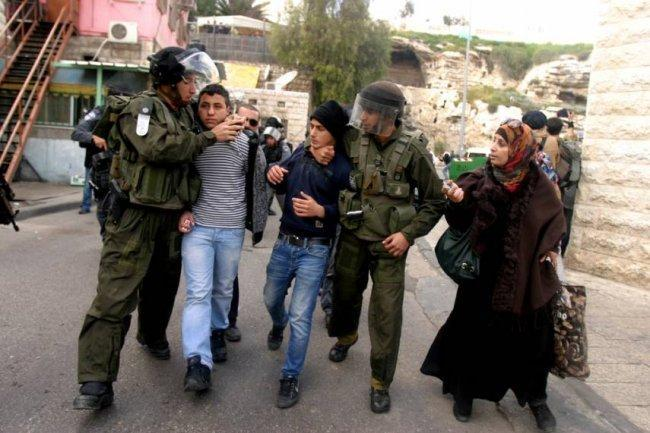 الاحتلال يفرج عن الطفل يوسف داري بشرط الحبس المنزلي
