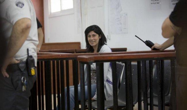 الاحتلال يثبت الاعتقال الاداري 4 أشهر جديدة للنائب خالدة جرار