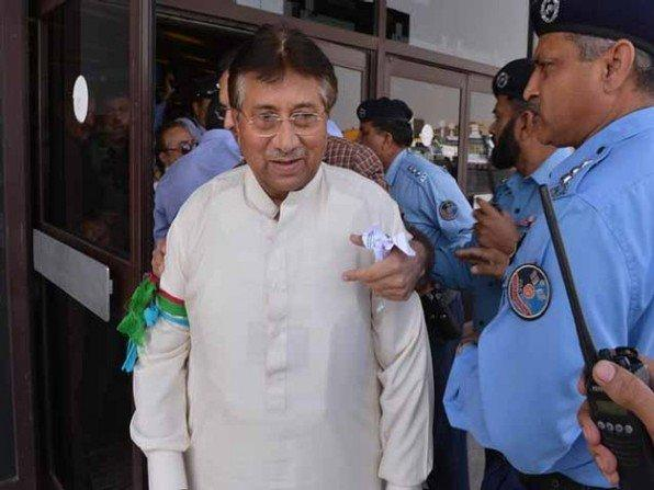 بالفيديو..الشرطة الباكستانية تعتقل برويز مشرف