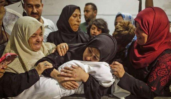 """""""شهداء مجزرة غزة"""".. تفاصيل حزينة، مكلومة على مواقع التواصل الاجتماعي"""
