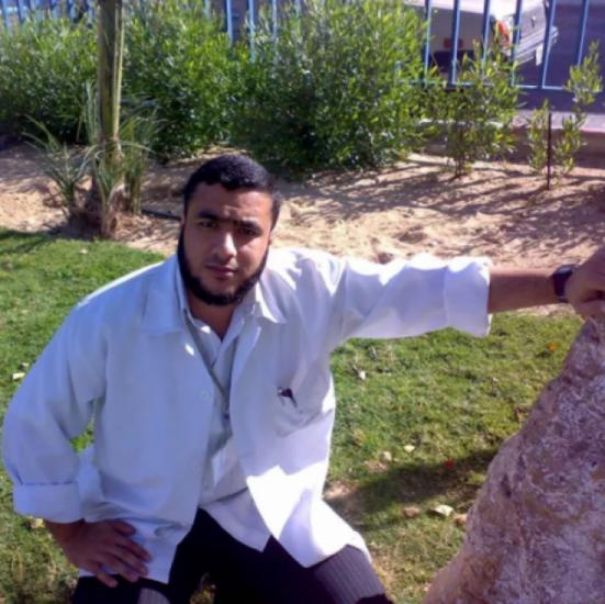"""إدارة سجون الاحتلال تنقل الاسير مصطفى البنا الى مشفى """"سوروكا"""" بعد تدهور صحته"""