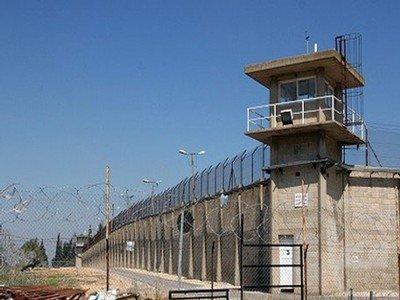 يديعوت :الدولة تقدم عفوا عاما عن سجينين مقابل كشفهما عن تفاصيل جثة