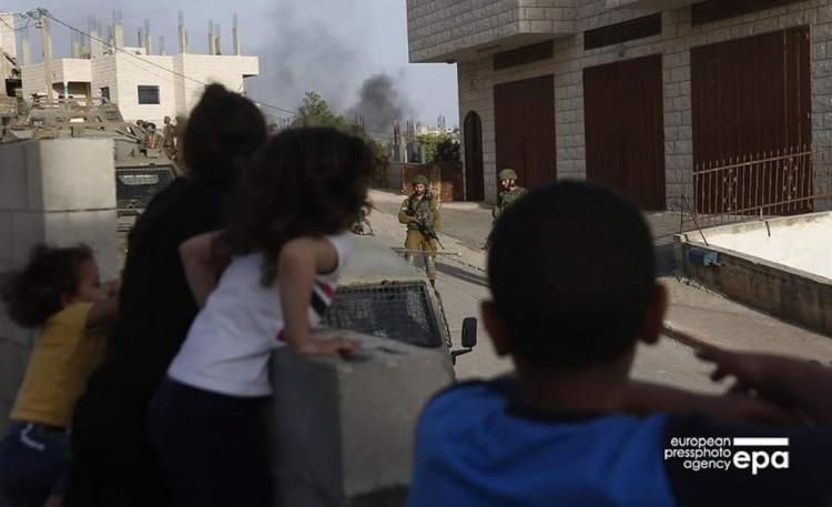 جيش الاحتلال يواصل حملته العسكرية في عقربا والمستوطنين يهاجمون قصرة