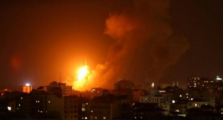 طيران الاحتلال يقصف عدة مواقع في قطاع غزة