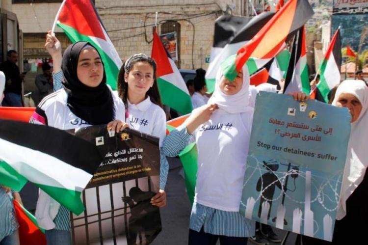250 أسيرًا من الجهاد الإسلامي يشرعون بالإضراب عن الطعام وبدعم من كافة الفصائل