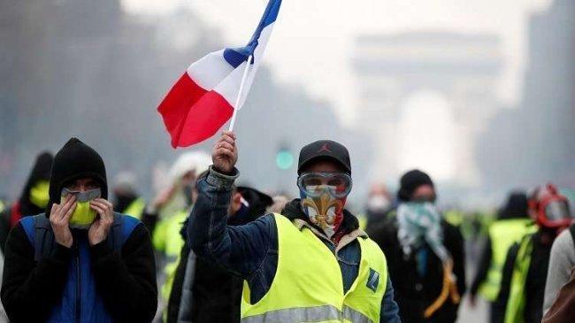 """السبت التاسع.. حراك """"السترات الصفراء"""" تعود الى الشوارع في فرنسا"""