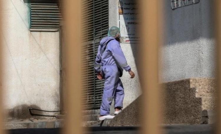 إغلاق المرافق التعليمية والمساجد في غزة لمواجهة كورونا