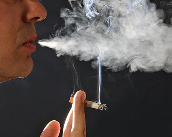 التدخين يزيد مخاطر الاصابة بالصدفية