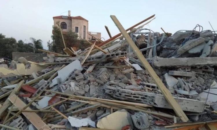 سلطات الاحتلال تهدم منزلاً لعائلة النقيب في اللد