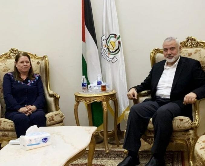 هنية يجتمع في القاهرة بزوجة الأسير مروان البرغوثي