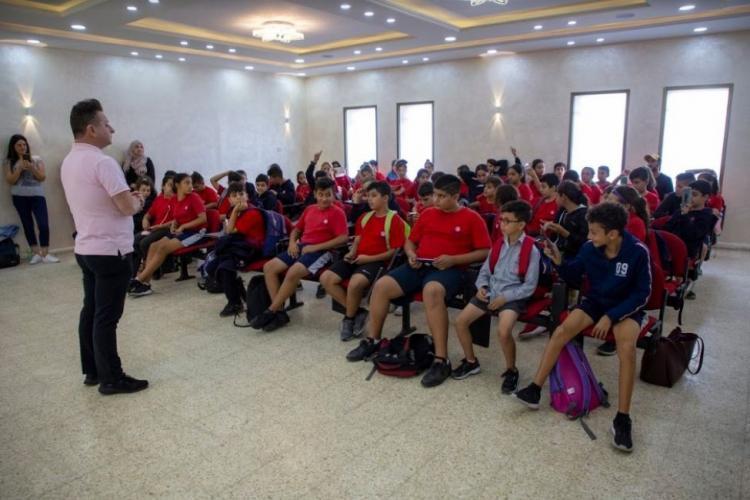 طلبة أكاديمية روابي في زيارة تعليمية لمدرسة جرزيم والمتحف السامري