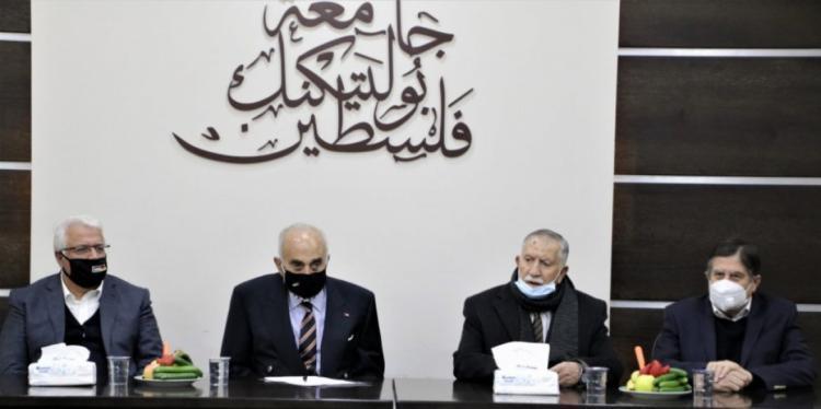 جامعة بوليتكنك فلسطين تستضيف رجل الأعمال منيب المصري