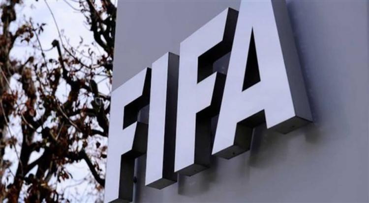 """""""فيفا"""": كورونا سيكلف كرة القدم 14 مليار دولار هذا العام"""