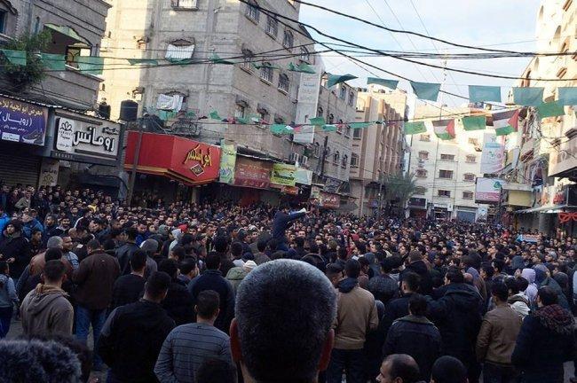 اجهزة حماس تعتدي على مدير مكتب الهيئة المستقلة في غزة