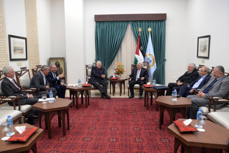 لجنة الانتخابات: جميع الفصائل وافقت على اجراء الانتخابات التشريعية والرئاسية وفق الأسس التي وضعها الرئيس