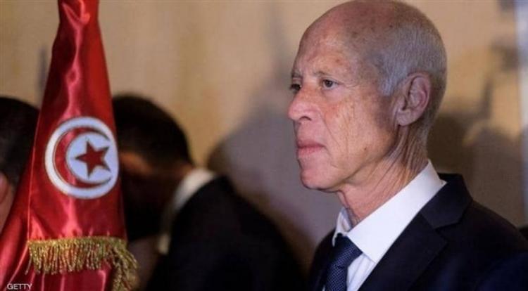 الجيش التونسي يتولى إدارة أزمة كورونا
