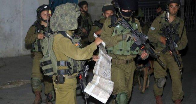 اعتقالات واسعة تطال باحثًا من نابلس ومحاضرًا في جامعة بيرزيت