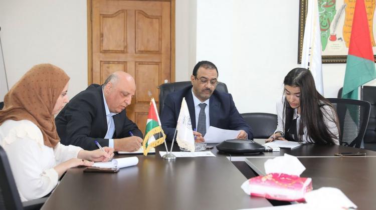 مكافحة الفساد وديكاف تعقدان اجتماعا لتعزيز العمل المشترك