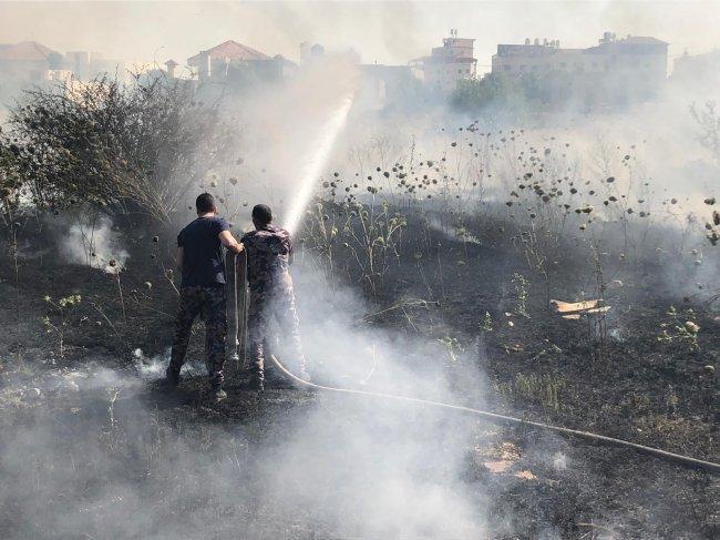 الدفاع المدني: حريق كبير بمحاصيل زراعية بدير غزالة شرق جنين