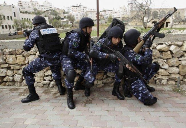 مجهولون يطلقون النار تجاه مركز شرطة الرام شمال القدس