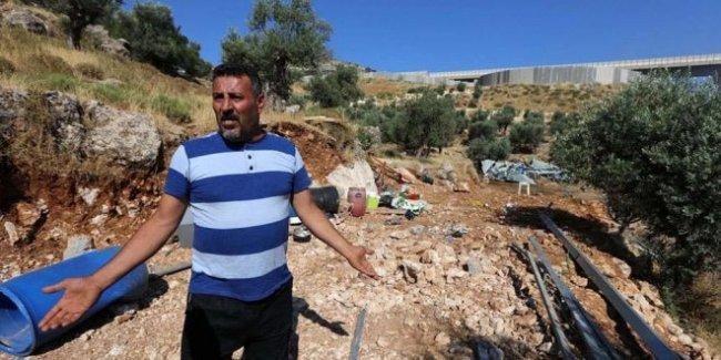 الاحتلال هدم منزل عائلة زرينة ثلاث مرات واعتقل 3 من أفرادها