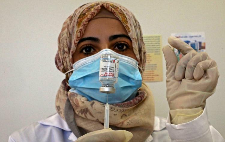 15 وفاة و756 إصابة جديدة بكورونا و1748 حالة تعافٍ في الضفة وغزة