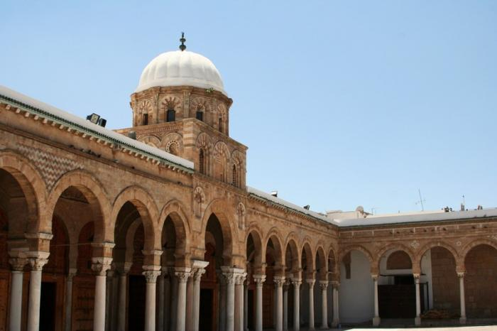 أول جامعة في العالم الاسلامي: افتتاح جامعة الزيتونة بعد عقود من الإغلاق