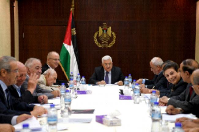 اللجنة التنفيذية تؤكد دعمها للمبادرة الفرنسية وتحذر من مناورات استبدال المؤتمر الدولي للسلام بمؤتمر إقليمي