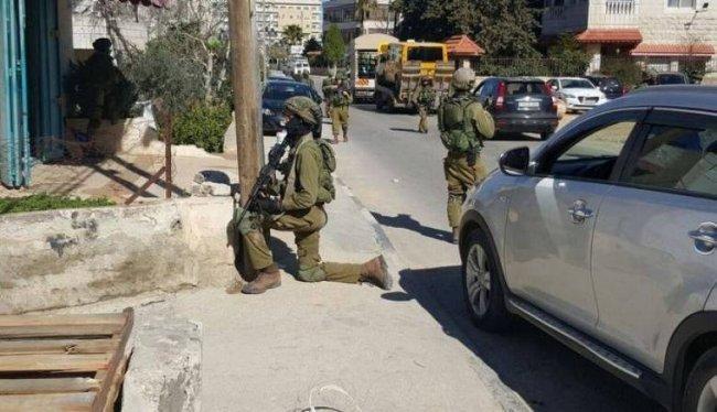 """اعتقال اسلام ابو حميد من الامعري بحجة القاء """"بلاطة""""على جندي قبل اسابيع"""