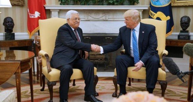 """صحيفة أمريكية: ترامب عرض على القيادة الفلسطينية """"مليارات مقابل مفاوضات"""""""
