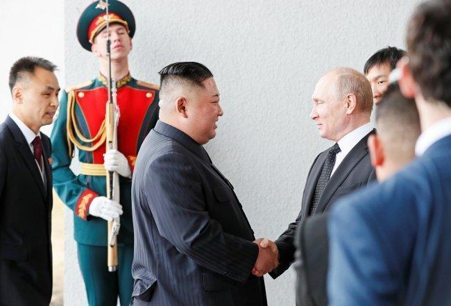 أحيط بالسرية حتى آخر لحظة.. لقاء بين الرئيس الروسي ونظيره الكوري الشمالي في روسيا