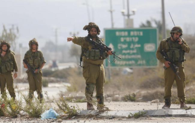 قوات الاحتلال تعتقل الشاب عودة عسكر من القدس