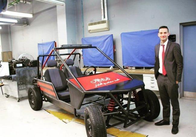 """الشاب محمد الخضر يطمح للحصول على براءة اختراع من خلال """"سيارة كهربائية"""""""