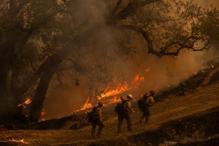 إخماد الحريق الأخطر في غابات كاليفورنيا منذ بداية العام