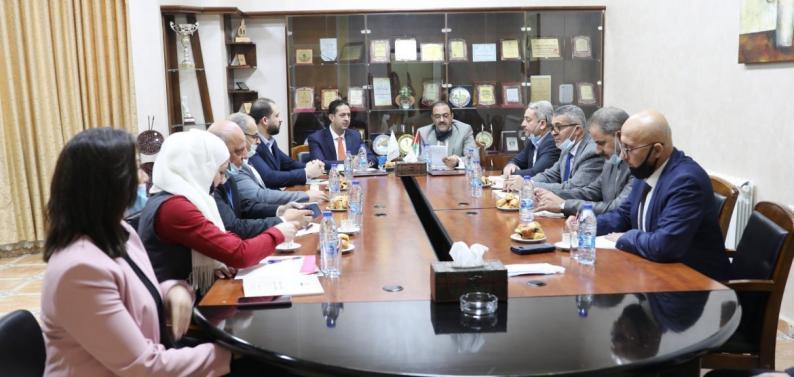 مكافحة الفساد وجامعة فلسطين الأهلية توقعان مذكرة تعاون لتعزيز العمل المشترك