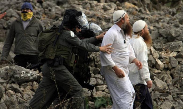 مستوطنون يهاجمون منازل المواطنين في مسافر يطا جنوب الخليل