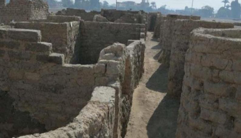 مصر: اكتشاف المدينة الذهبية المفقودة تحت الرمال في الأقصر