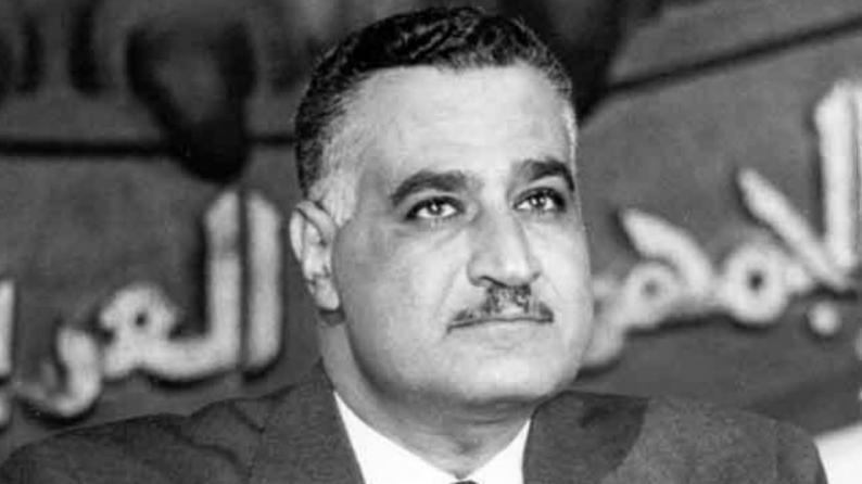 """""""متذكراً مواقفه ومناقبه"""".. كلمات سجلها الرئيس التونسي في دفتر الزيارات لضريح عبد الناصر"""