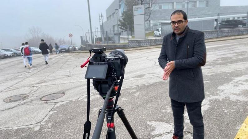 نقابة الصحفيين تطالب الحكومة الإسبانية بحماية الصحفي الفلسطيني معاذ حامد وعائلته