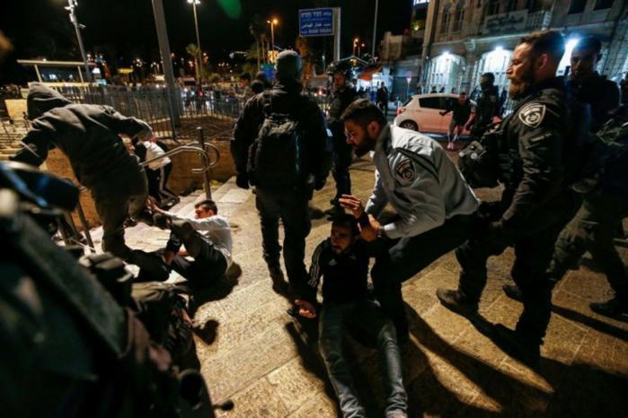 إصابة عدد من المتظاهرين بعد اعتداء شرطة الاحتلال عليهم في الداخل الفلسطيني المحتل