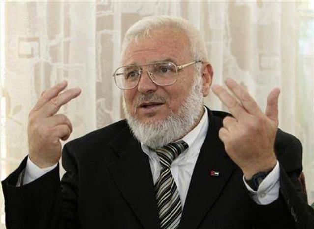 """هآرتس: اعتقال """"دويك"""" جاء لمنع حماس من العودة لنشاطها بالضفة بعد صفقة التبادل"""