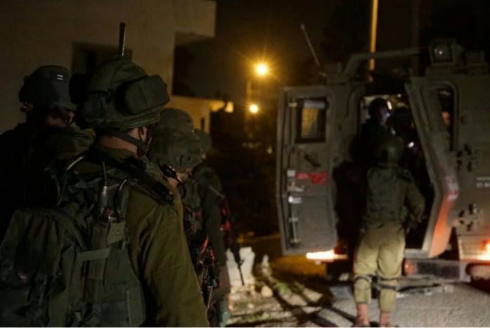الاحتلال يعتقل فتى من بلدة الخضر جنوب بيت لحم
